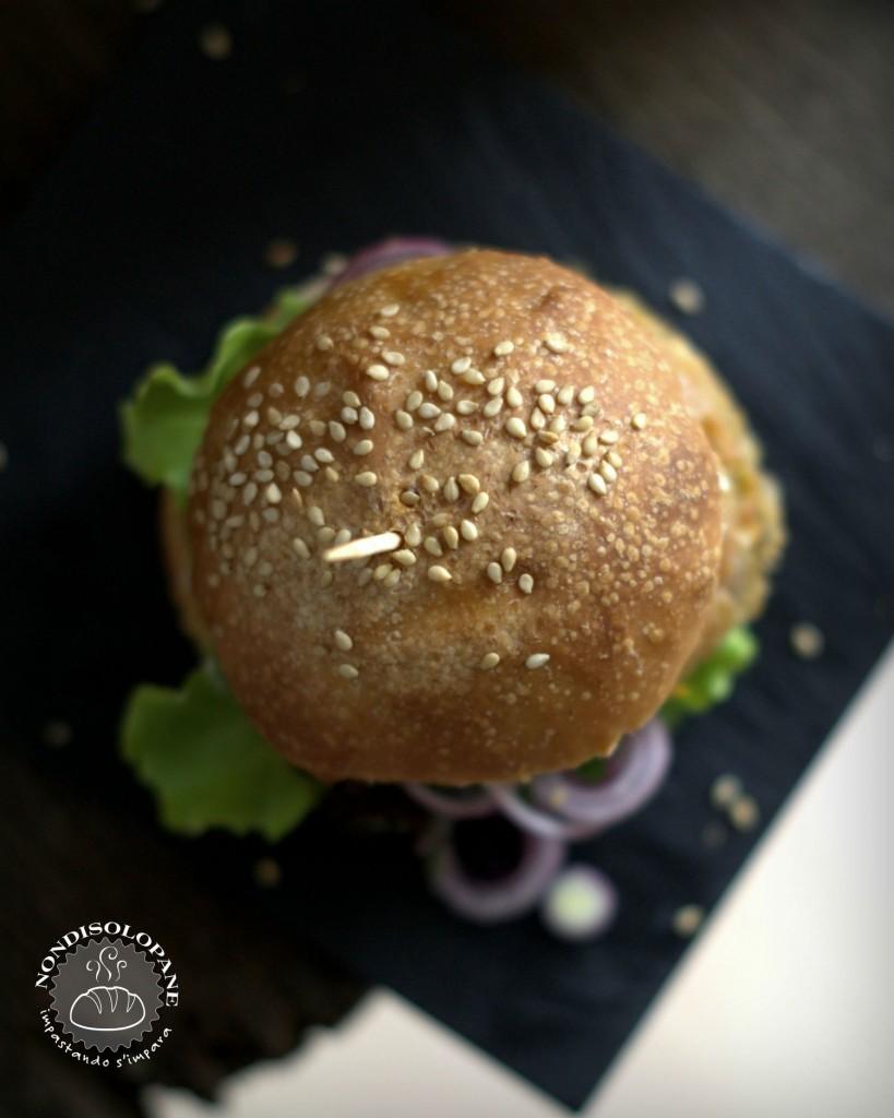 Panini per hamburger multicereali con pasta madre
