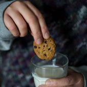 Nondisolopane - Biscotti schiaccianoci con frutta secca e gocce di cioccolato